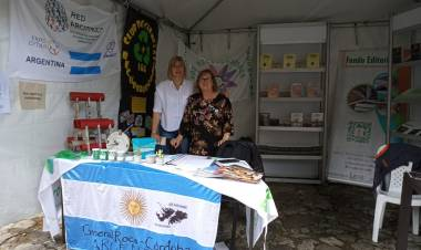 De regreso de Colombia entrevistamos a las Profesoras Raquel Raccaro y Graciela Fidelio.