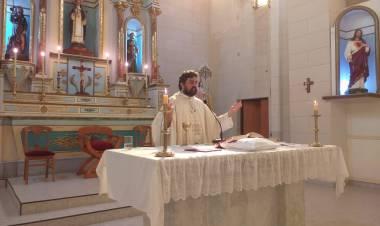 Audio: Santa Misa Domingo de Pascua, celebrada por el Padre Fernando Malpiedi, Parroquia Santa Rosa de Lima, Gral. Roca.